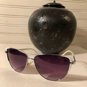 💜💜 Jessica Simpson Sunglasses 💜💜